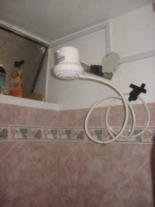 Point of use water heater