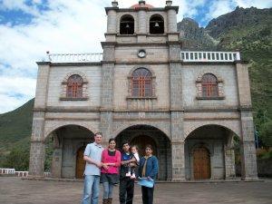 Family visit to Señor de Huanca