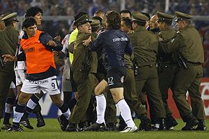 SOCCER, U. DE CHILE VS. ALIANZA LIMA