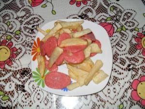 homemade salchipapas