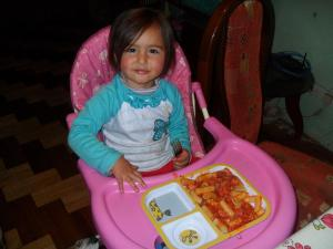 brianna-eats-pasta